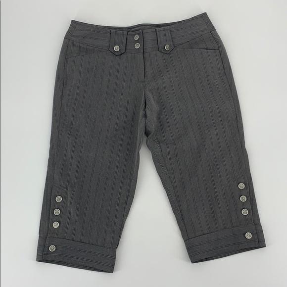 No Boundaries Gray Pinstripe Capri Pants